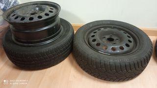 Neumáticos nuevos con ruedas
