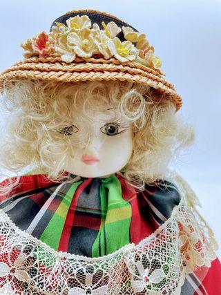 Muñeca porcelana 40cm