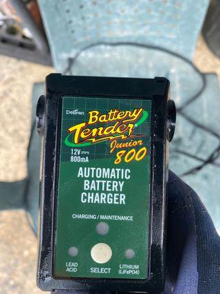 Cargador Bateria Coche y Moto