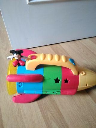 nave espacial Mickey mouse,luz y música.