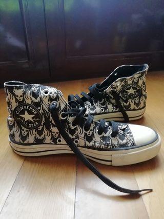 Zapatillas Converse.