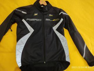 chaqueta invierno ciclismo semi nueva Decathlon