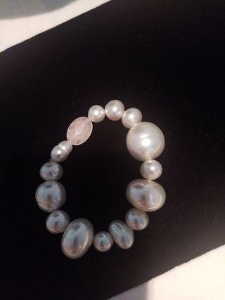 pulsera en perlas de joyeria