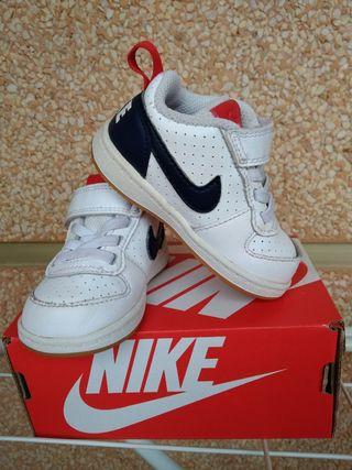 Zapatillas bebé Nike número 19,5