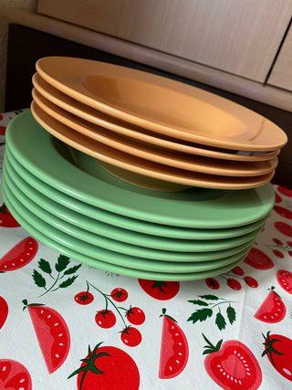 Set de platos llanos y hondos