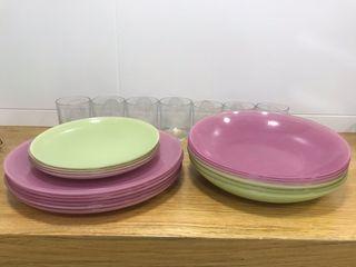 Vasos y platos