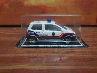 MAQUETA 1/60 COCHE DE POLICIA NACIONAL GUISVAL
