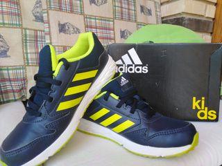 Adidas Bambas nuevos oferta. T. 35.