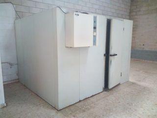 Camara frigorifica 2.9m x 2.0m x 2.5m