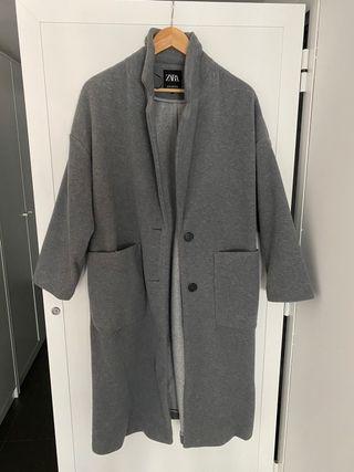 Abrigo Zara gris mujer