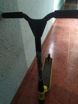 Patinete scooter Decathlon.