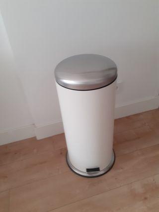 Cubo de basura con pedal IKEA