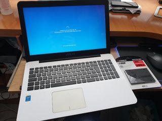 Portatil Asus i3,4gb ram,240gb ssd