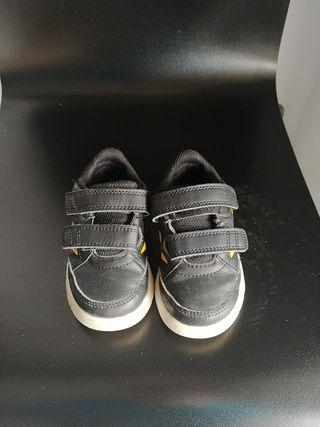 Zapatos deportes ADIDAS N° 22