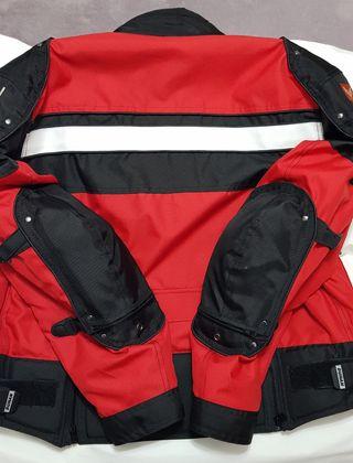 vendo chaqueta motorista Talla M