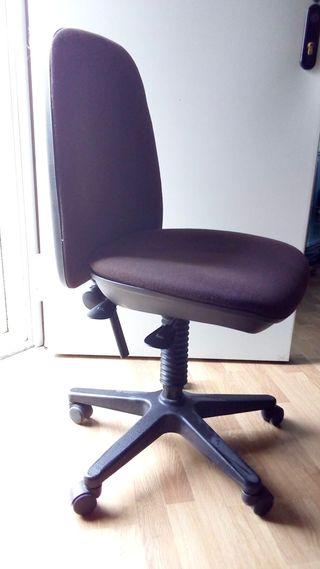 Silla oficina o escritorio con ruedas
