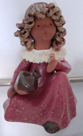 Figura niña / muñeca de ceramica esmaltada Jané