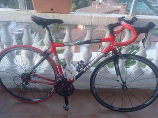 bicicleta de carretera - BH carbono