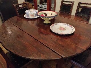 Mesa muy antigua madera