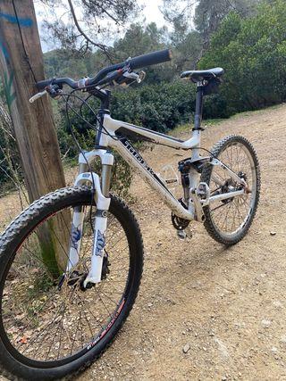 Trek - bicicleta enduro - doble suspensión