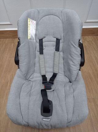 Portabebés hasta 10kg en coche, 13kg en silla