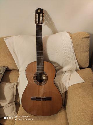 Guitarra Zurda Admira.Amplificada