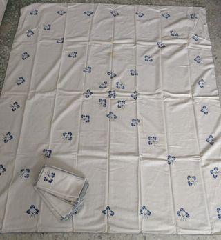 Antiguo mantel hilo blanco bordado a mano+serville