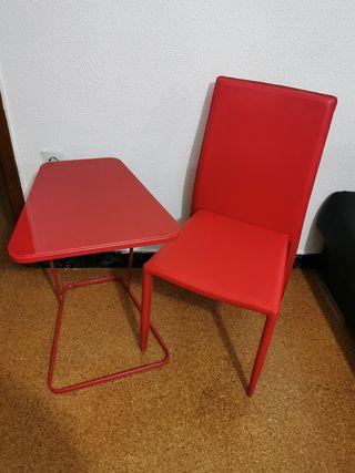 Se vende mesa consola con silla roja