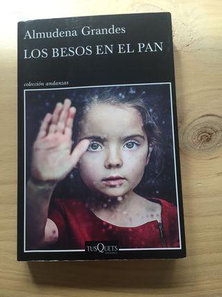 Libro Los Besos en el Pan