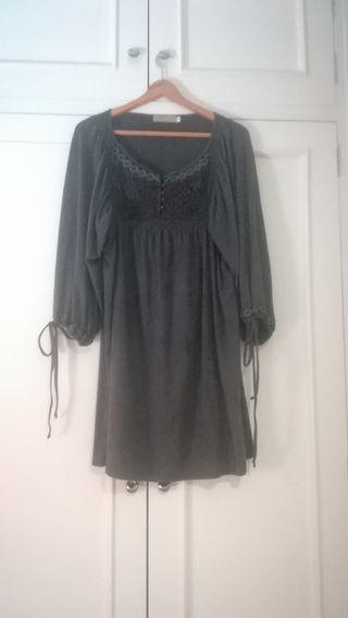 Vestido talla L en color gris oscuro