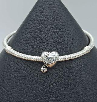 Charm corazón con cadena LOVE de plata S925.