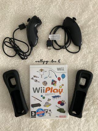 Lote Nintendo juego Wii Play + nunchuks + fundas