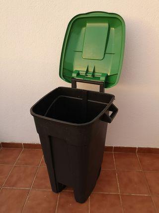 Cubo de basura 120L