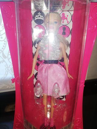 Armario purpurizador de Barbie+Barbie.