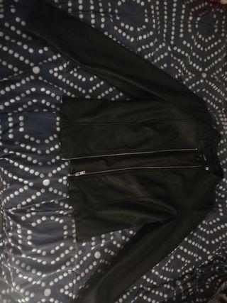 cazadora / Torera color negro