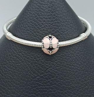 Charm redondo mariposa rosada plata 925.