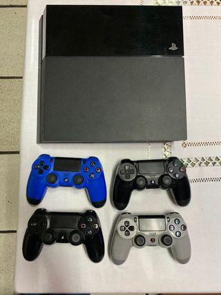 PS4 500 GB + 4 mandos