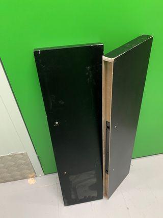 2 estantes medianos negros de Ikea