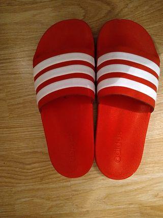 chanclas Adidas mujer talla 39-40