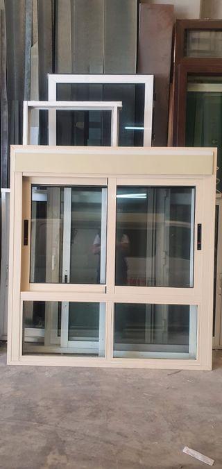 ventana con motor persiana
