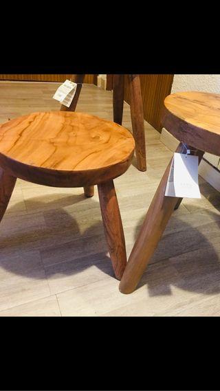 Taburetes de 30x31 Zara Home . De madera maciza.