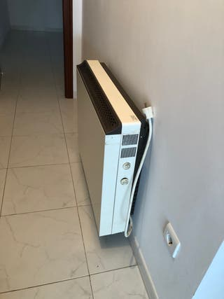 Acumulador, radiador, calefacción.