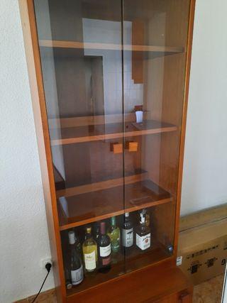 Mueble Vitrina con cristal