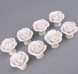 ** LOTE de 8 Tiradores de Grandes Rosas ceramica