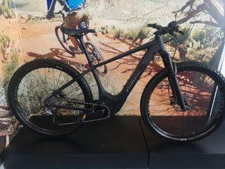 Bicicleta Specialized Turbo levo