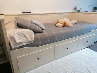 Cama Henmes Ikea + colchón