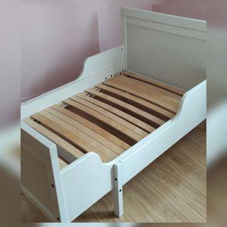 2 camas extensibles Ikea .