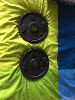 4 pesas de 2 kg decathlon + soporte + pinzas