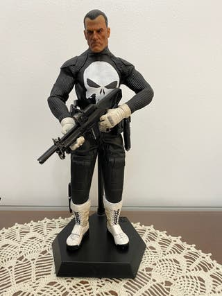 Figura punisher castigador Marvel escala 1/6 30cms