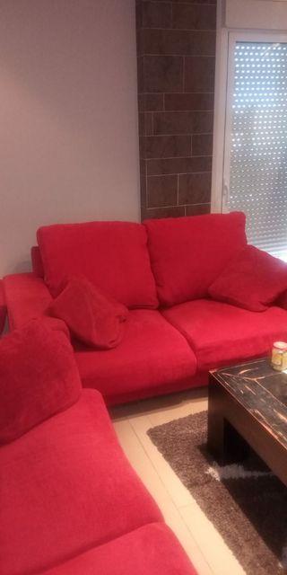 Vendo dos sofas rojos